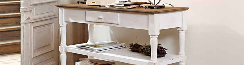 Commodes & consoles