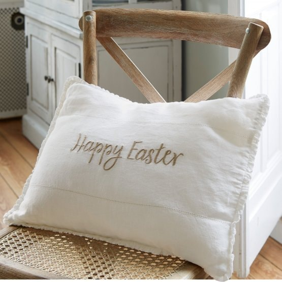 Coussin Happy Easter blanc