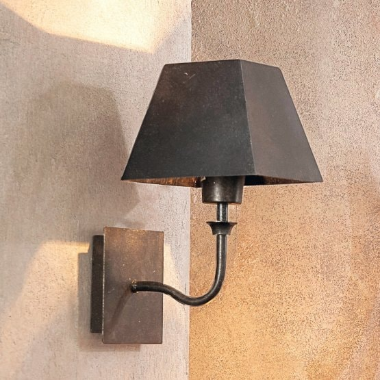 Lampe murale Hiddy marron foncé
